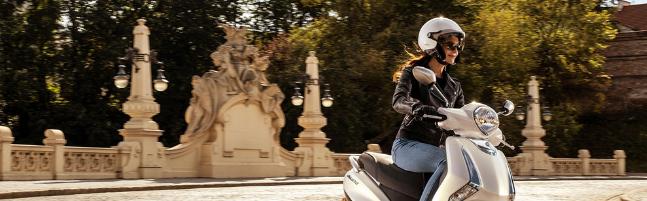Read more about the article Las ventajas de alquilar una moto con respecto a un coche